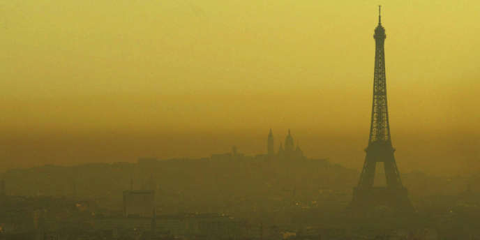 Paris sous un nuage de pollution.