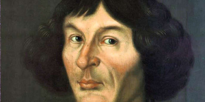 Nicolas Copernic (1473-1543) est l'auteur de la théorie selon laquelle le Soleil se trouve au centre de l'Univers (héliocentrisme).
