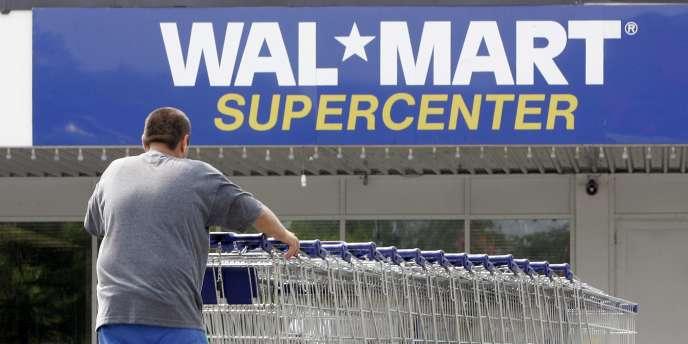 Dans l'attente de la libéralisation du commerce de détail, Walmart était entré sur le marché indien en 2009 en partenariat avec Bharti Entreprises, une branche du groupe de téléphonie mobile Bharti Airtel.