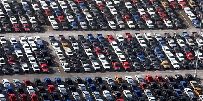 PSA Peugeot Citroën envisage 1 500 départs naturels non remplacés d'ici à la mi-2014.
