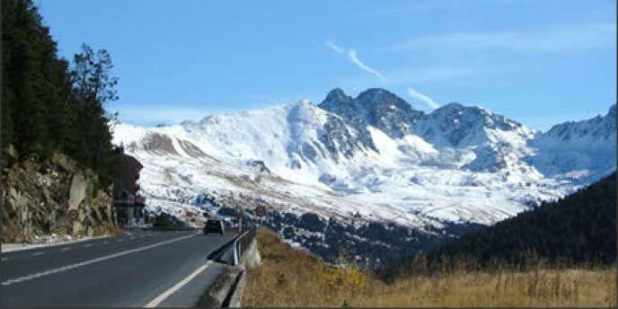 Il s'agit d'une nouvelle étape dans la normalisation d'Andorre, ce petit Etat coincé dans les Pyrénées entre l'Espagne et la France, désireux d'abandonner son statut de paradis fiscal pour entrer dans le
