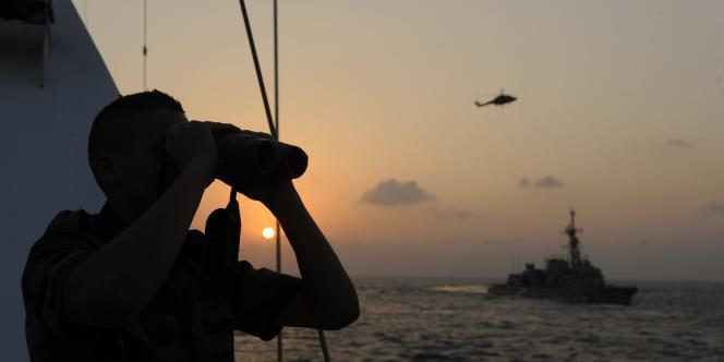Navire français dans le golfe d'Aden, le 8 décembre 2008.