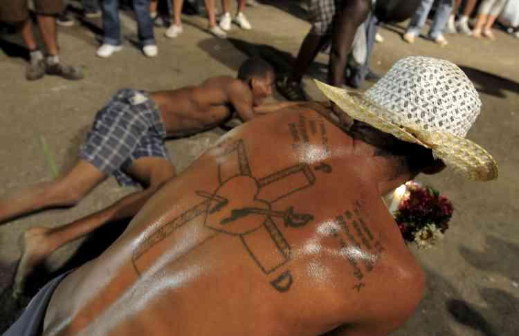 A Cuba, les pèlerins célèbrent saint Lazare, le 17 décembre.