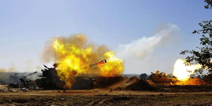 L'artillerie israélienne tire sur Gaza, le 7 janvier 2009, pendant l'opération