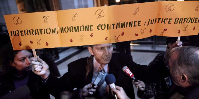 Le tribunal correctionnel de Paris, jugeant l'affaire de l'hormone de croissance, a prononcé le 14 janvier 2009 une relaxe générale des six prévenus au procès de l'hormone de croissance.