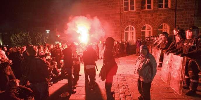 De nombreuses manifestations antigouvernementales ont été organisées en Islande depuis le mois de janvier 2009.