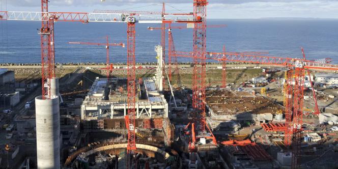 Le coût des EPR d'EDF s'envole. A Flamanville (Manche) le dépassement de budget s'élève à 250 %.