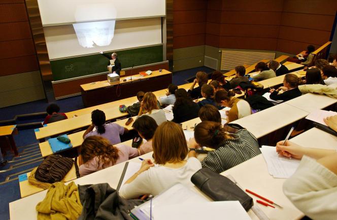 L'UT de Compiègne, à mi-distance entre l'école d'ingénieurs et l'université.