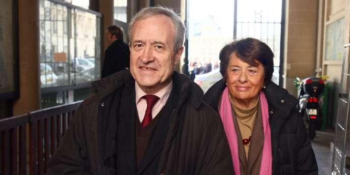 Jean Tiberi, et son épouse, Xavière, à Paris en mars 2008.
