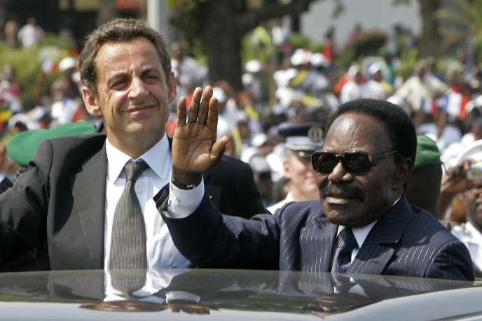 Nicolas Sarkozy et Omar Bongo au Gabon, le 27 juillet 2007.