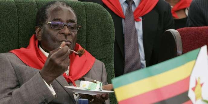 Le président du Zimbabwe, Robert Mugabe, lors de la célébration de son 85e anniversaire à Chinhoyi, le 28 février 2009.
