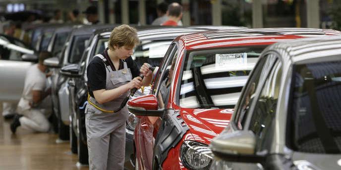 Chez Volkswagen, les discussions salariales reprennent vendredi 25 mai, le syndicat IG Metall exige une hausse de 6,5%.