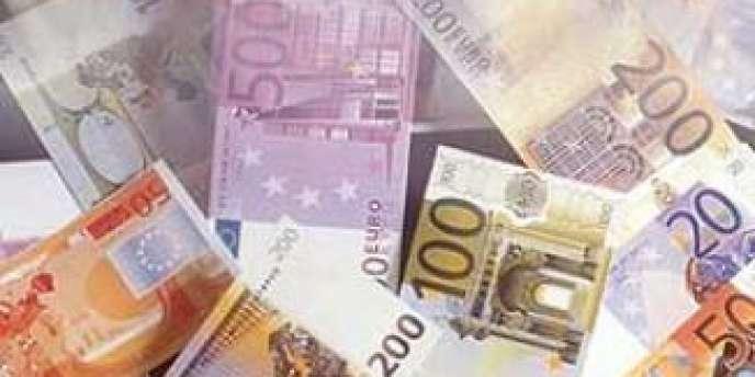 Le programme de la BCE prévoit que les banques puissent emprunter, cette année, un total d'environ 400 milliards d'euros sur quatre ans, en deux étapes : le 18 septembre et le 11 décembre.