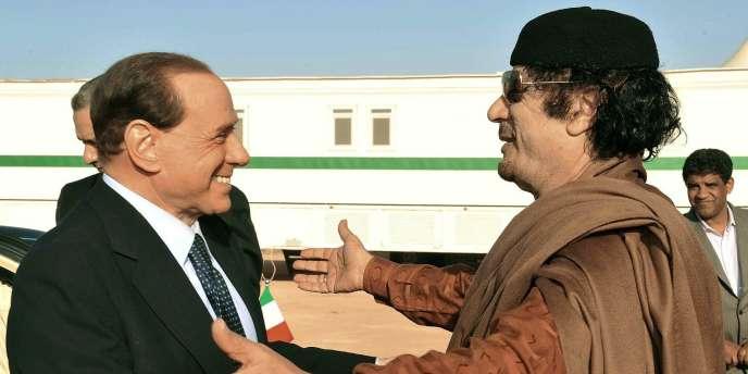 Silvio Berlusconi et Mouammar Kadhafi en mars 2009.