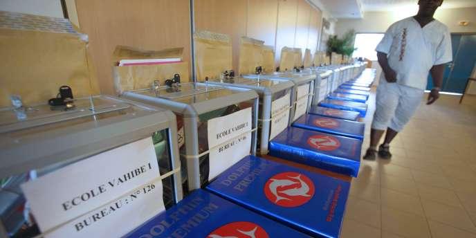 Mayotte deviendra en 2011 le 101e département français – et le 5e DOM –, étape ultime d'un processus engagé en 1974.