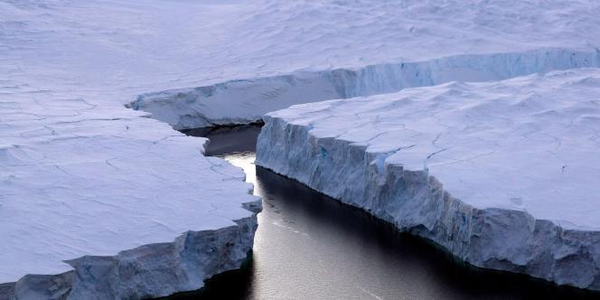 En 2006, le Groenland et l'Antarctique ont perdu ensemble 475 milliards de tonnes de glace en moyenne.