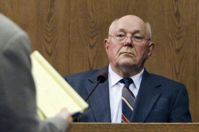 John Demjanjuk, en 2006. En 2011, le tribunal de Munich a condamné à cinq ans de prison John Demjanjuk, jugé coupable parce qu'il avait été gardien au camp de Sobibor.