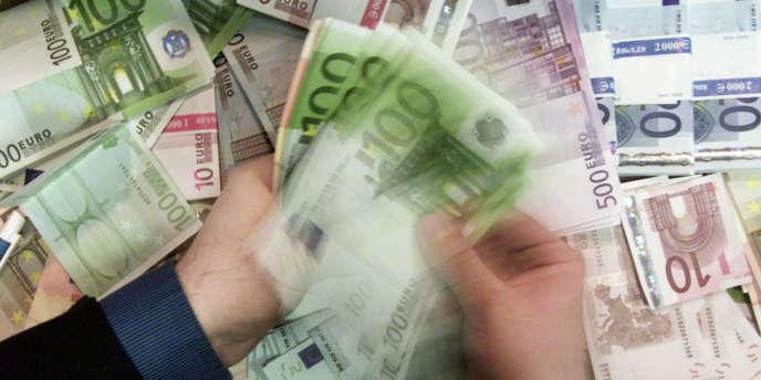 Dans un article de l'IRL Review, journal académique américain, M. Pfeffer et ses collègues démontrent que l'argent appelle l'argent.