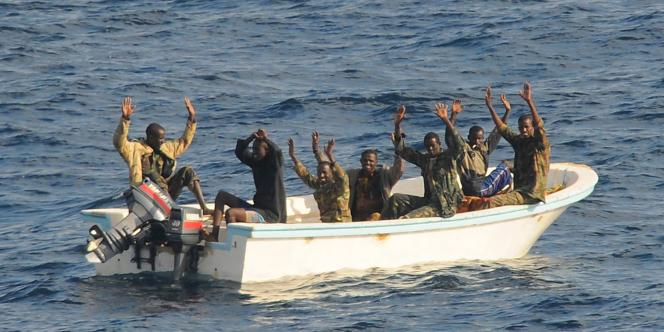 Les six hommes étaient poursuivis pour avoir arraisonné le 2 septembre 2008 le Carré d'As, un voilier de seize mètres, et retenu en otages durant deux semaines ses deux occupants.