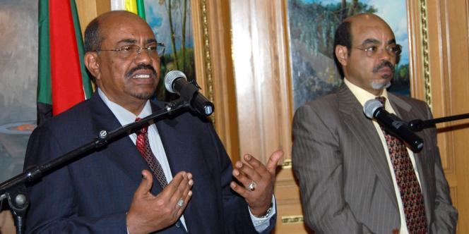 Le premier ministre éthiopien, Meles Zenawi (à droite), avec le président du Soudan, Omar Al Bachir, à Addis Abeba, en avril 2009.