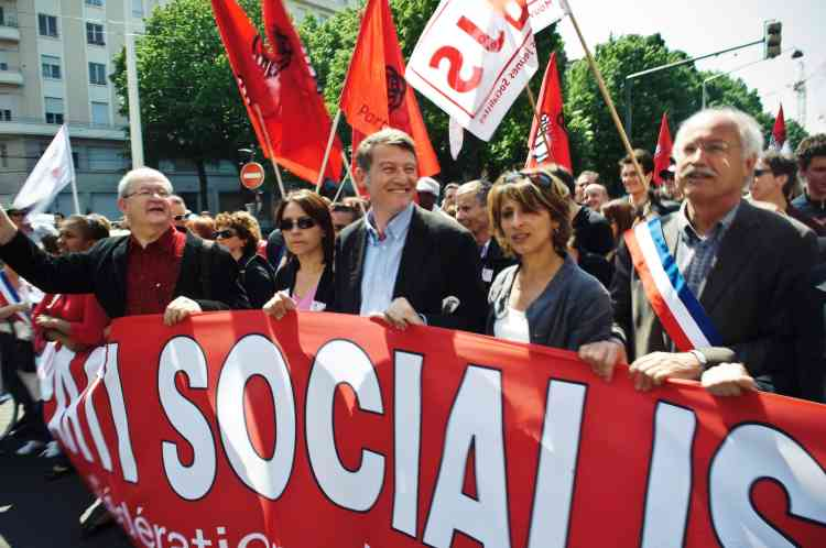 Le parti socialiste s'est joint aux défilés unitaires syndicaux, à l'image de Vincent Peillon, ici à Lyon.