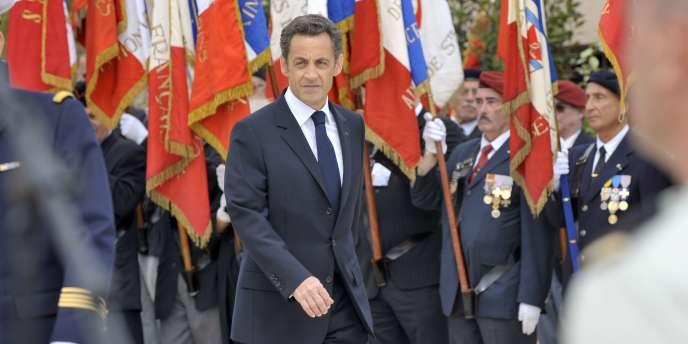 Nicolas Sarkozy, lors des commémorations du 8 Mai, à La Nartelle, en 2009.