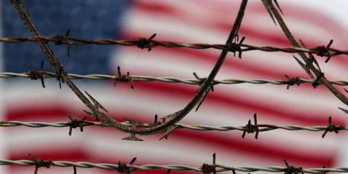 Depuis des décennies, les relations entre Cuba et les Etats-Unis sont structurées autour d'un embargo décidé il y a un demi-siècle, en représailles aux expropriations du régime castriste.