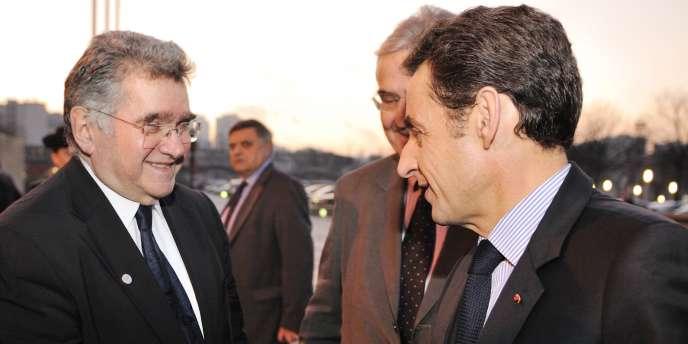 Après avoir quitté le PS, Claude Allègre a tenté de se rapprocher de Nicolas Sarkozy. Ici, lors du sommet européen de l'innovation, le 9 décembre 2008 à Paris.
