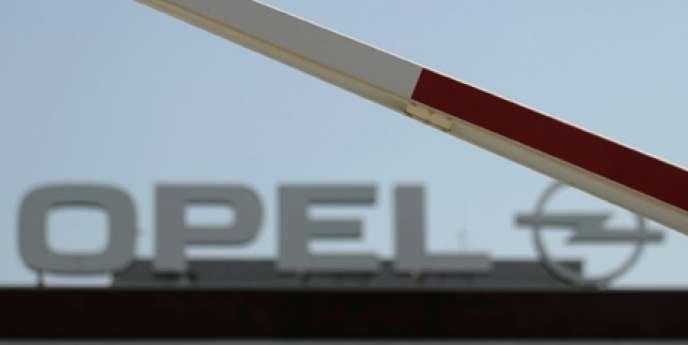 La reprise du constructeur automobile Opel a finalement été conclue, vendredi 29 mai, après un accord entre General Motors et l'équipementier canadien Magna, a annoncé le gouvernement allemand.