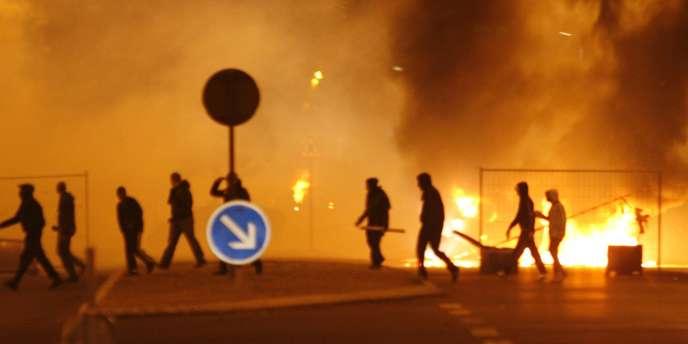 En novembre 2007, 80 policiers avaient été blessés par arme à feu lors des émeutes de Villiers-le-Bel.