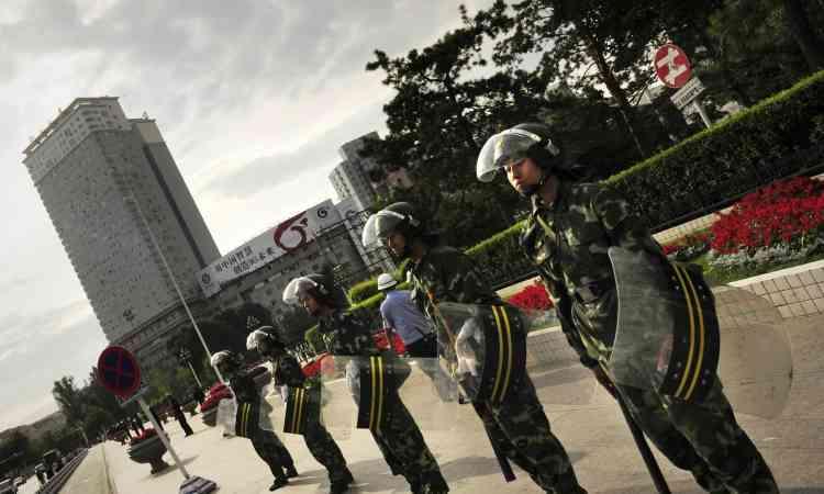 La police chinoise a arrêté 1 434 personnes après les violences qui ont fait au moins 156 morts et plus d'un millier de blessés à Urumqi.