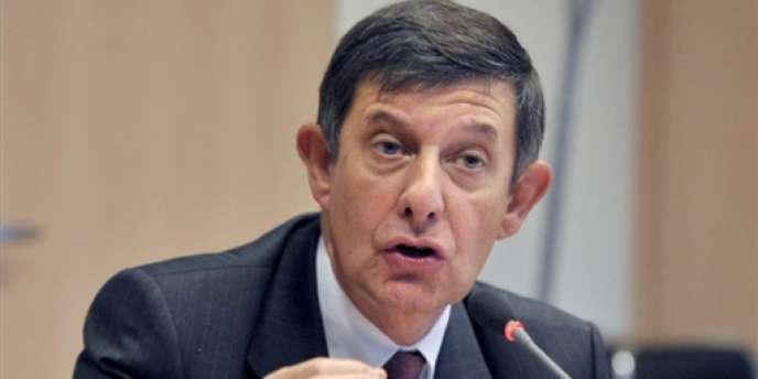 Jean-Marc Ayrault a annoncé mercredi 17 octobre, à l'issue du Conseil des ministres, la nomination du patron de la Caisse des dépôts et consignation (CDC), Jean-Pierre Jouyet, à la présidence de la Banque publique d'investissement.