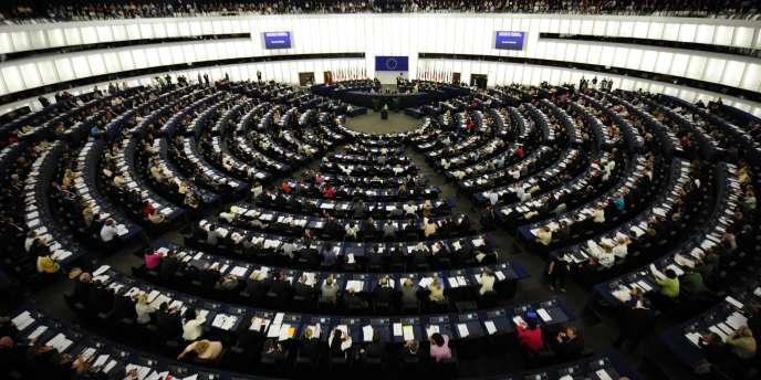 Face au pilotage de la zone euro par les Etats, privilégié par Nicolas Sarkozy, les eurodéputés entendent aussi renforcer l'implication des institutions communautaires.