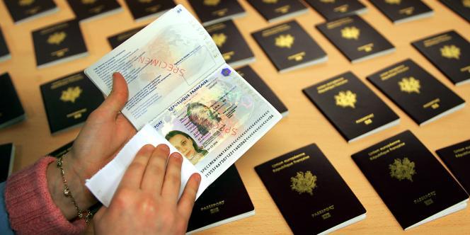Les passeports biométriques sont délivrés dans un délai d'une semaine en moyenne... selon le ministère de l'intérieur.
