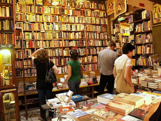 Librairie à Paris.