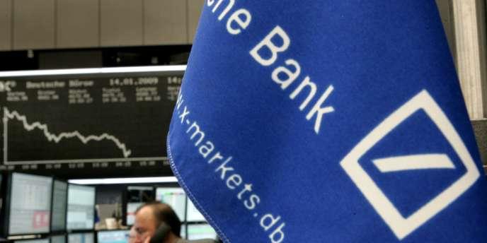 Ces plans visent à rassurer les investisseurs concernant la stabilité financière de la banque et devraient avoir peu d'effets sur les revenus du groupe, souligne le