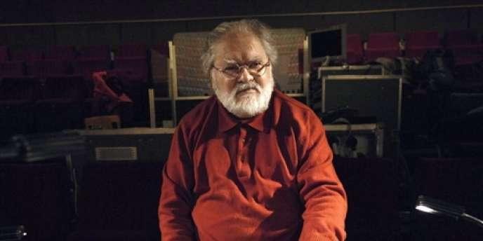 Le compositeur Pierre Henry dans son studio à Paris, en décembre 2008.