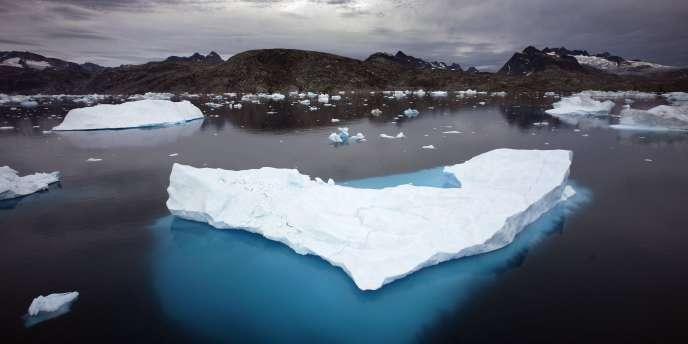 En juillet 2012, la calotte glaciaire du Groenland présentait des signes de fonte sur 97% de sa superficie.