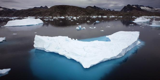Icebergs au Groenland en juillet 2007.