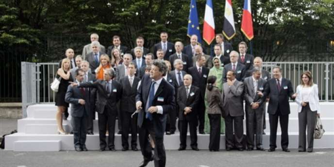 Le ministre français de l'écologie, Jean-Louis Borloo, présidait, le 25 juin 2009 à Paris, la réunion ministérielle de l'Union pour la Méditerranée (UPM) sur le développement durable.