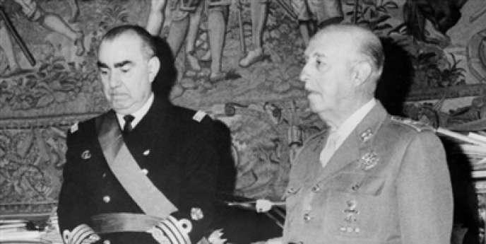 Franco (à droite) en compagnie de son premier ministre et dauphin Luis Carrero Blanco.