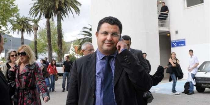 L'ancien président de l'université de Toulon, Laroussi Oueslati, a été révoqué de la fonction publique, dans le cadre d'un trafic supposé de diplômes au bénéfice d'étudiants chinois.