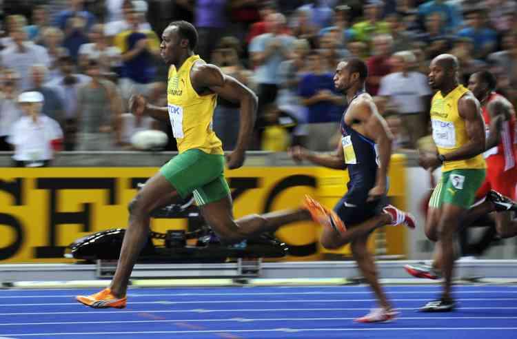 Il a ensuite accéléré jusqu'aux 80 m, avec des chronos de 1 s 75 entre 20 et 40 m, de 1 s 67 entre 40 et 60 m et de 1 s 61 entre 60 et 80 m, avec une vitesse de pointe de 44,72 km/h.