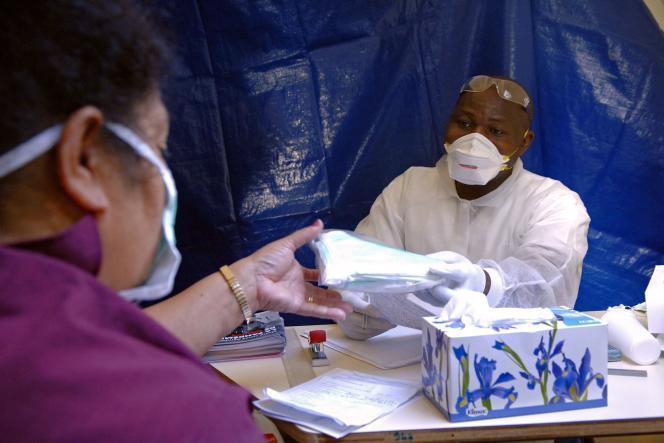 Centre d'accueil des malades de la grippe A à Nouméa, en Nouvelle-Calédonie.
