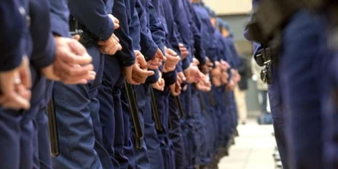 Quelques jours après le patron de la gendarmerie, c'est au tour du syndicat de police Synergie-Officiers de dénoncer la situation budgétaire frappant la police,