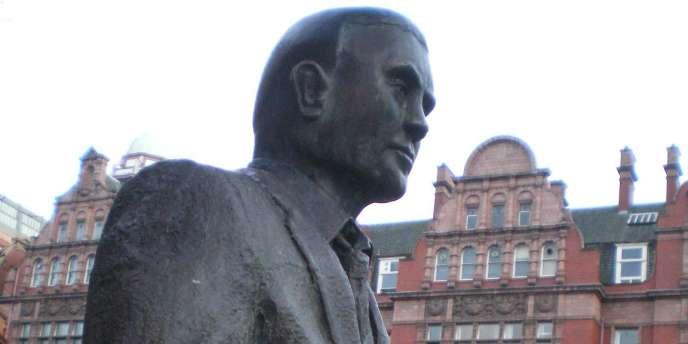 La statue à la mémoire d'Alan Turing, inaugurée en 2001 à Manchester.