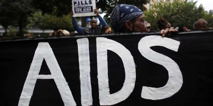 Manifestation en faveur de la lutte contre le sida à Pittsburgh (Pennsylvanie) en marge du sommet du G20 de septembre 2009.