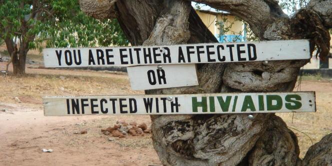 En Afrique subsaharienne, 400 000 mères transmettent le virus à leur enfant alors qu'une simple prise d'antirétroviraux a permis de réduire pratiquement à zéro le nombre de telles transmissions en Europe.