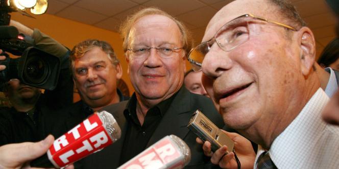 Jean-Pierre Bechter et Serge Dassault, le 4 octobre 2009, après la victoire du premier à l'élection municipale de Corbeil-Essonnes.