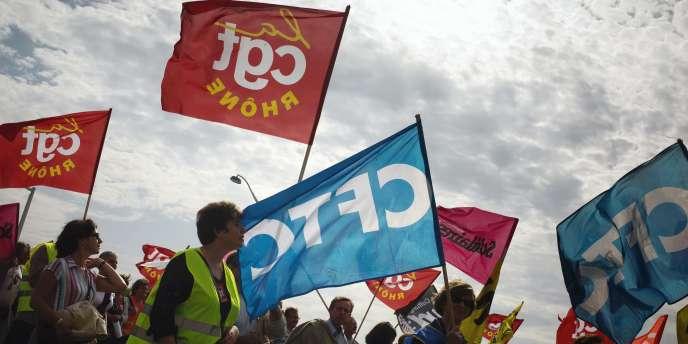 Les syndicats se sont dans l'ensemble déclarés opposés à un moratoire sur les seuils sociaux dans les entreprises.